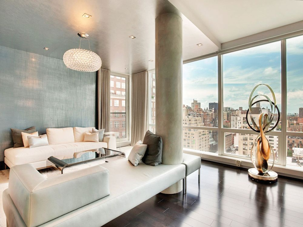 This triple-mint property in The Lucida boasts nearly 10-foot ceilings in every room, abundant natural light, and custom-built closets. Courtesy Of Hundred Stories PR