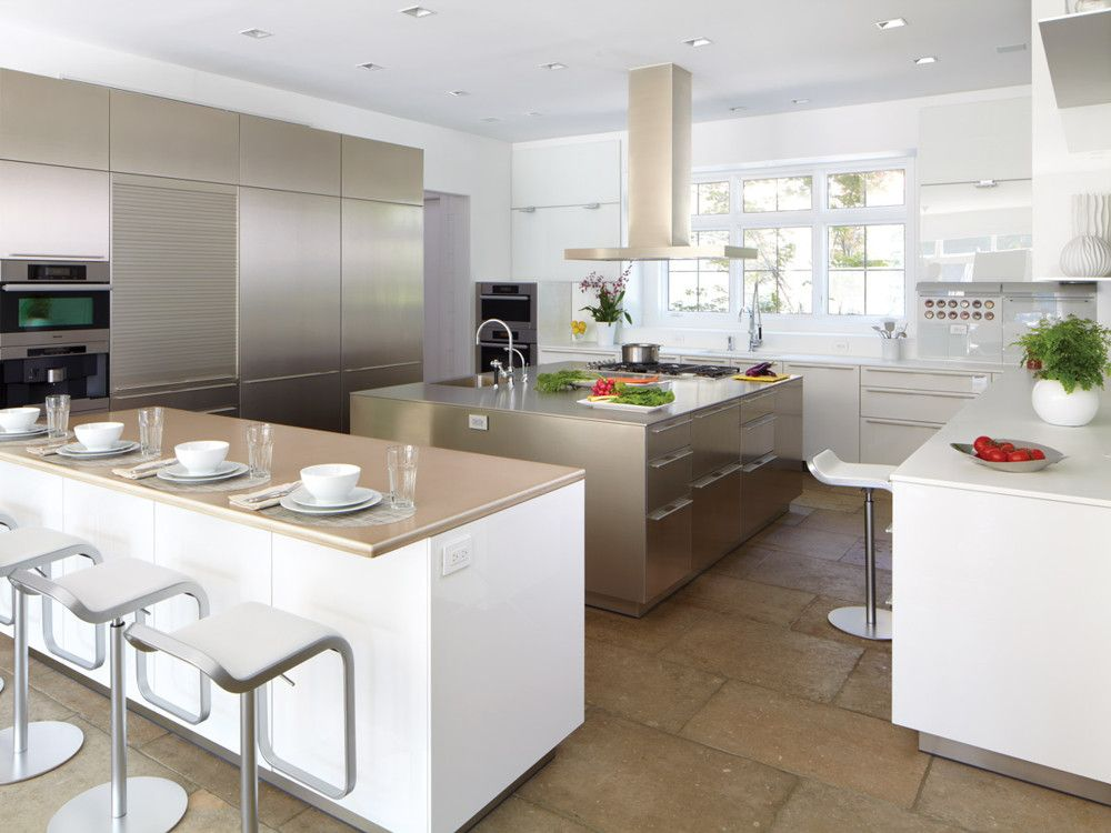 The main kitchen, which opens to family dining, is by Bulthaup.