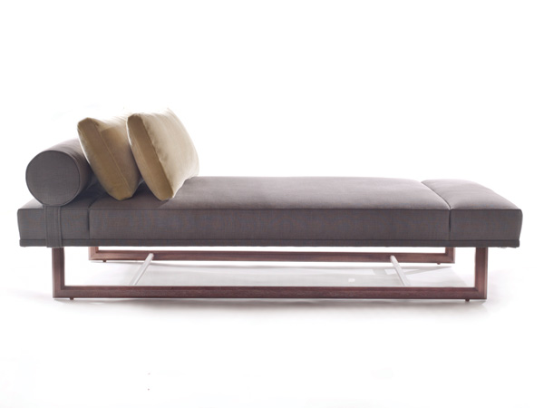 Elena Daybed