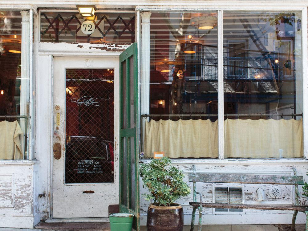 Vinegar Hill House's casual yet rustic appeal belies the mouth-watering, subtly sophisticated fare on the menu from chef Michael Poiarkoff.