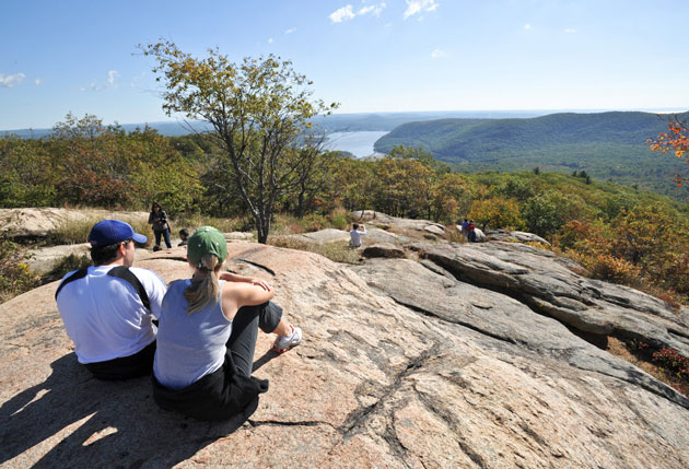 Bear Mountain State Park: Family Outing