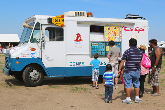 Students Raise $1,000 for Local Ice Cream Man Who Was Fined