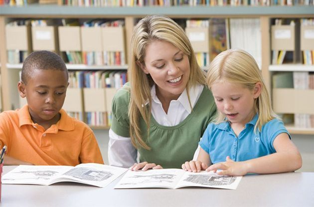 When to Consider Hiring a Reading Tutor