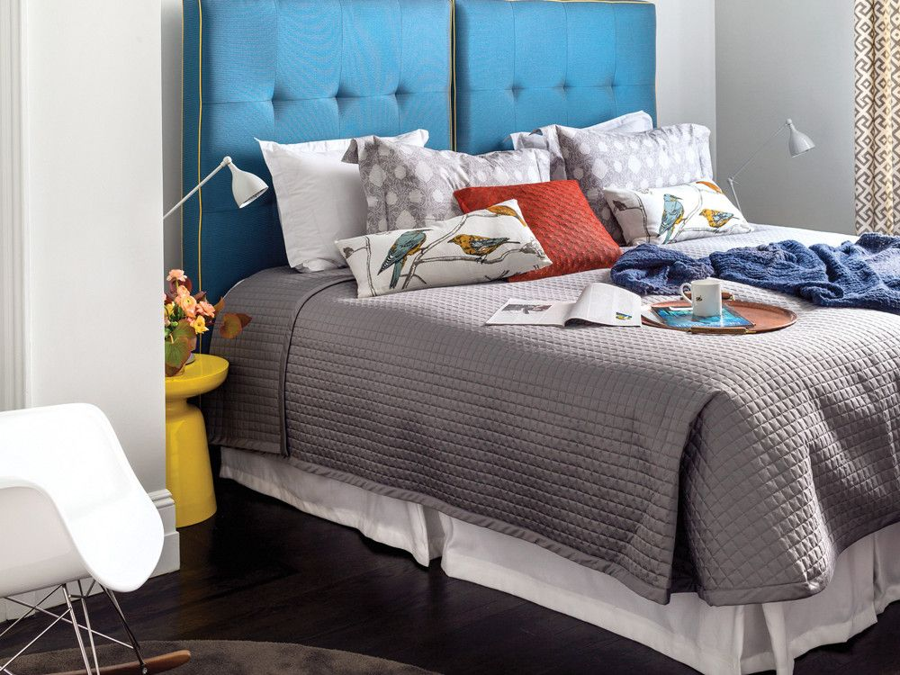 In the guest bedrooms, Elias opted for a more laidback feel and bolder color schemes.