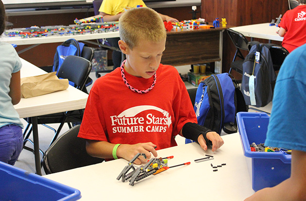 Long Island's Future Stars Day Camp Adds STEM Programs