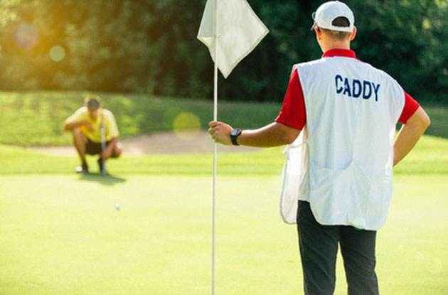 Teens Can Caddy Their Way to 4-Year College Scholarship