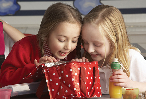 Teaching Your Kids Healthy Eating Habits From a Young Age