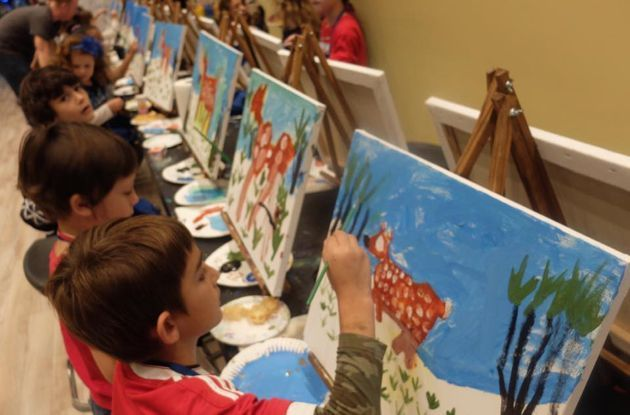 Pinot's Palette Offers Painting Classes for Kids