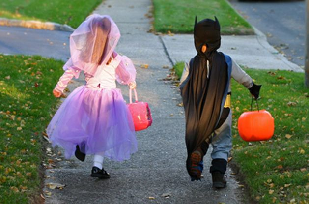 How to Keep Halloween Safe and Fun for Kids with Nut Allergies