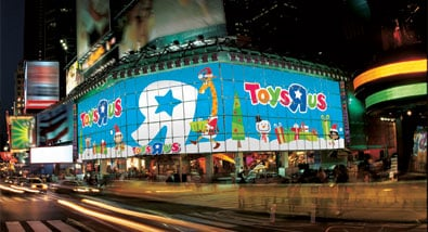 Toys'R'Us Times Square - A Winter Wonderland for All Ages