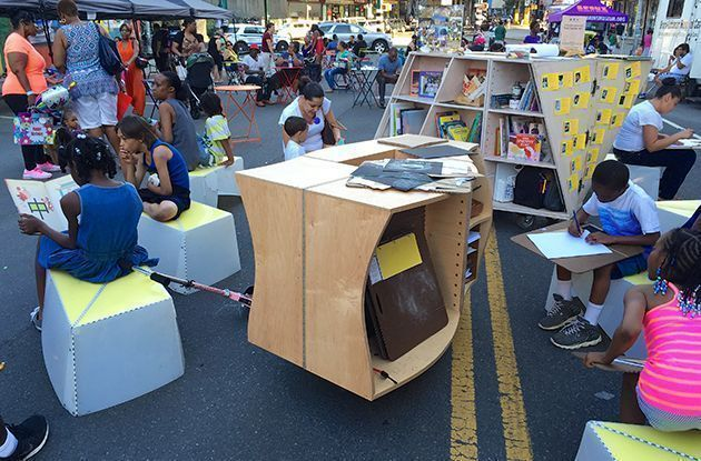 The Uni: Pop-Up Reading and Art in Public Spaces
