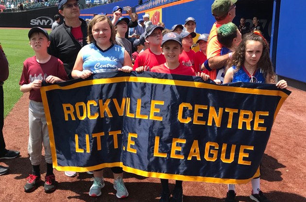 New York Yankees and New York Mets Participate in Little League Days 2019