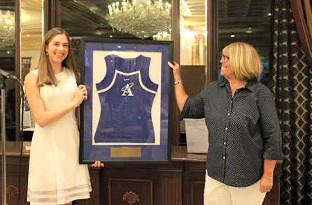 Ashley Hess Earns 2019 Angel Award at Academy of the Holy Angels