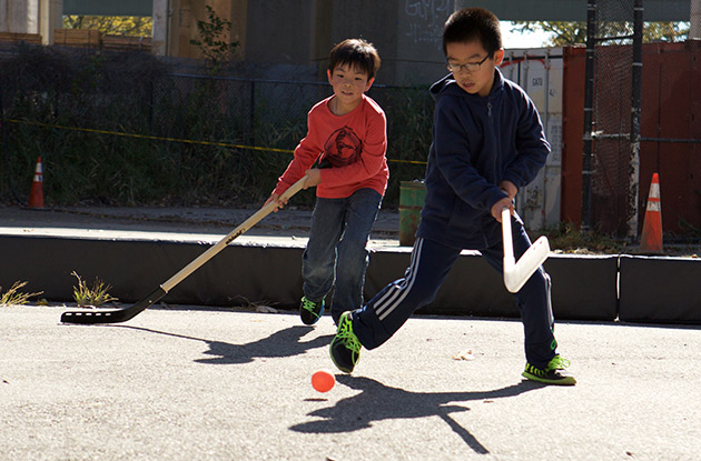 City Parks Offers Free Street Hockey Program in Brooklyn and Queens