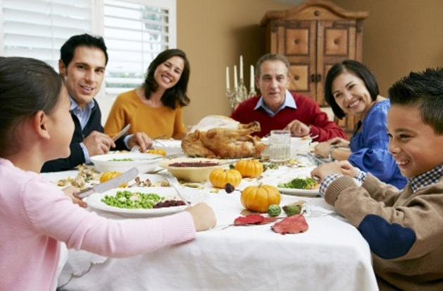 10 Thanksgiving Traditions to Try