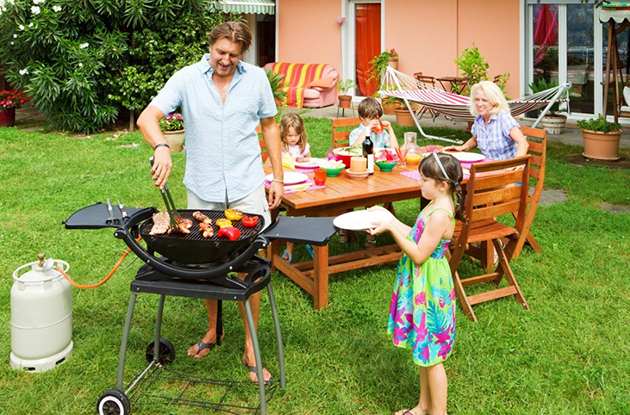 10 Ways to Make a Summer Barbecue Healthier