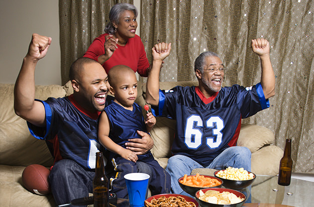 Can Family and Football Get Equal Play Time on Thanksgiving?