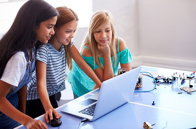 Brooklyn Kids Can Now Join Free Girls Who Code Club