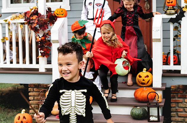 How to Keep Kids Safe on Halloween Night