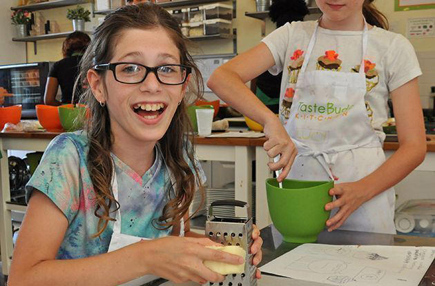 Kids' Cooking Classes in NYC: Kids Take Over the Kitchen!