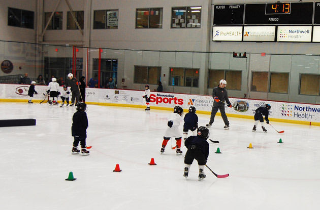 The Benefits of Kids Learning to Play Ice Hockey at Any Age