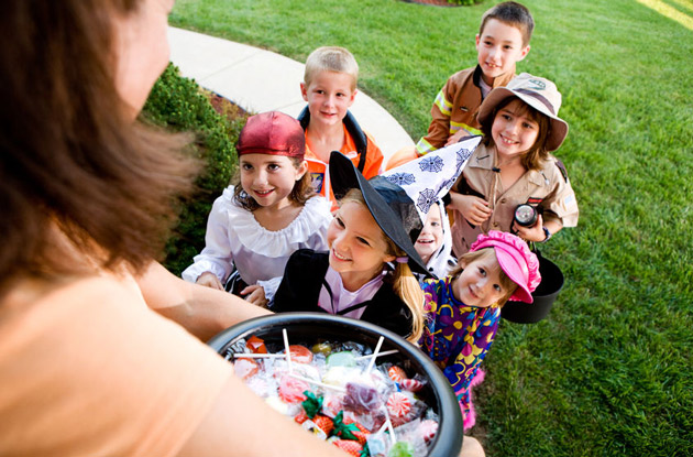 How to Have a Safe and Healthy Halloween