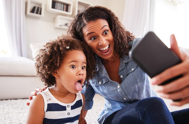 the pros and cons of babies on social media | NYMetroParents