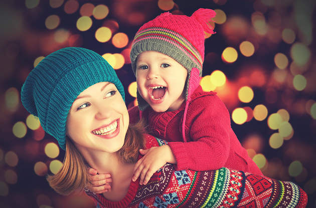 5 Ways to Involve Your Nanny in Holiday Celebrations