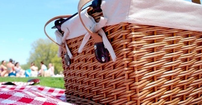Where to Pick Up Food for Your Central Park Picnic