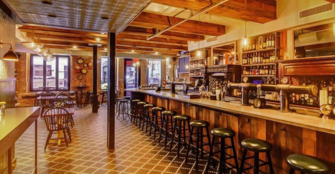 Celebrate Tanner Smith's 4th Anniversary with Craft Cocktails and Late-Night Bites