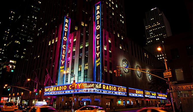 The 5 Best Places to Eat Near Radio City Music Hall