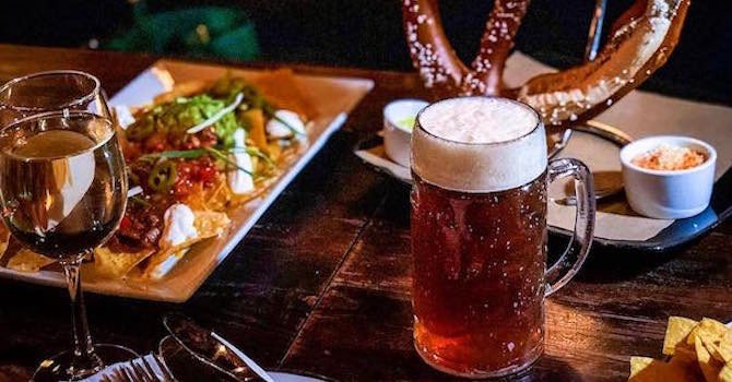 11 Weekend Happy Hours Near the Empire State Building
