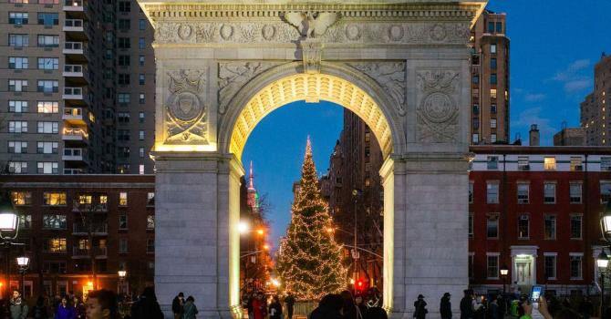Be Amazed by NYC Christmas Lights with High Quality Tours