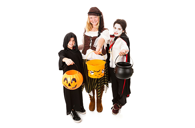 Keeping Your Kids Safe While Trick-or-Treating