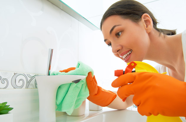 How to Speed Clean Your House Before the Holiday Guests Arrive
