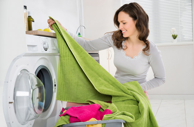 woman-doing-laundry