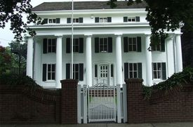 Burr Homestead in Fairfield County: Family Outing
