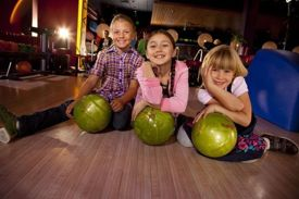 Bowl a Strike at Bowlmor and a Dollar Will be Donated to Feeding America
