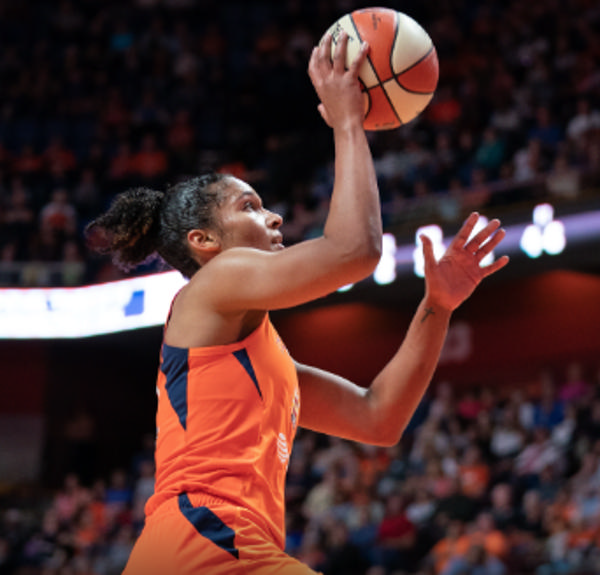Conneticut Sun VS Dallas Wings at Mohegan Sun Arena