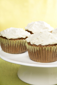 carrot cupcakes; lemony cream cheese icing; carrot cake cupcakes; Easter desserts