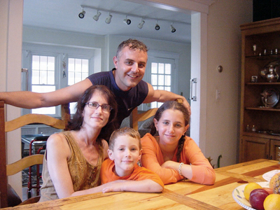 Eric Yaverbaum and family; co-founder of offlining.com