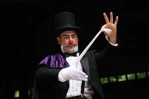 "El Magnifico! The World's Best ""Worst"" Magician"