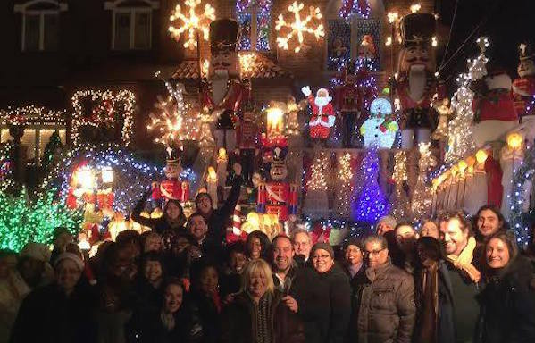 A Slice of Brooklyn Holiday Lights Tour