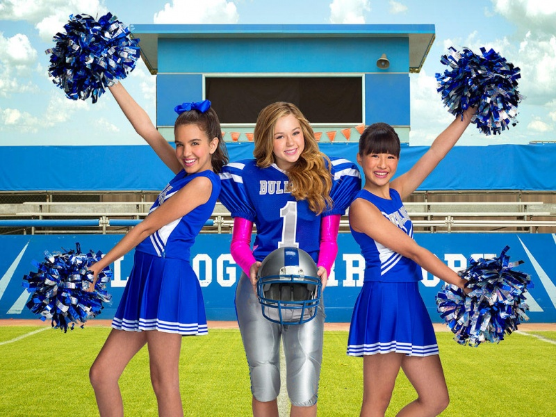 Bella and the Bulldogs on Nick