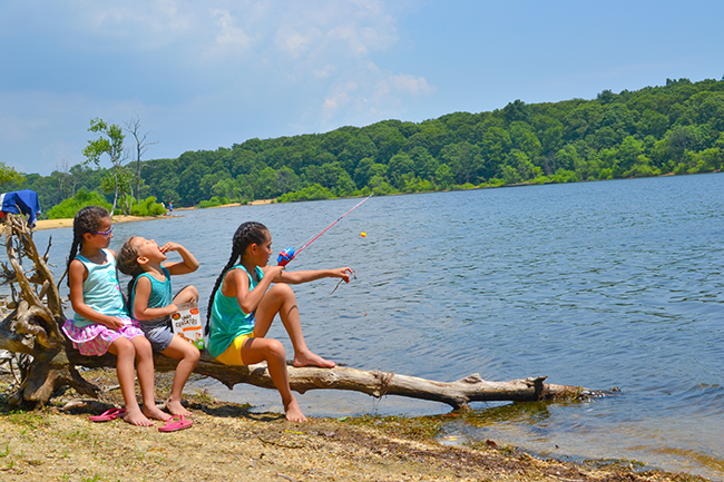 girls fishing hempstead state park