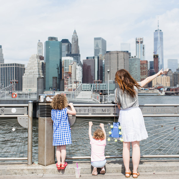 family looking at nyc skyline