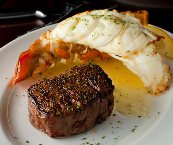 What To Serve With Steak And Crab Cakes