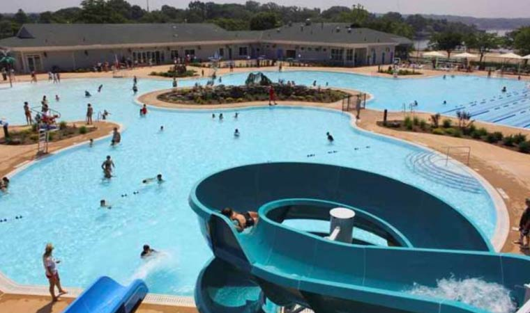 Manorhaven Pool