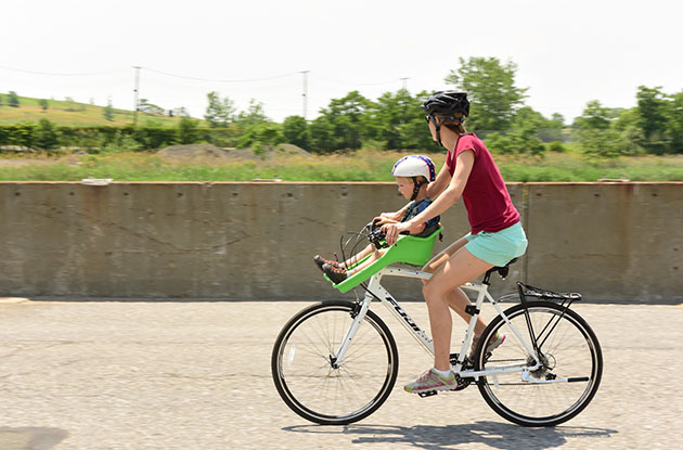 mother biking with child freshkills park