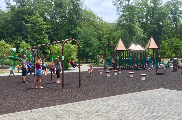 playgrounds at van saun county park